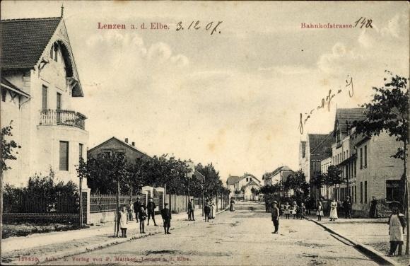 Bahnhofstrasse-Gebaeude-Anwohner